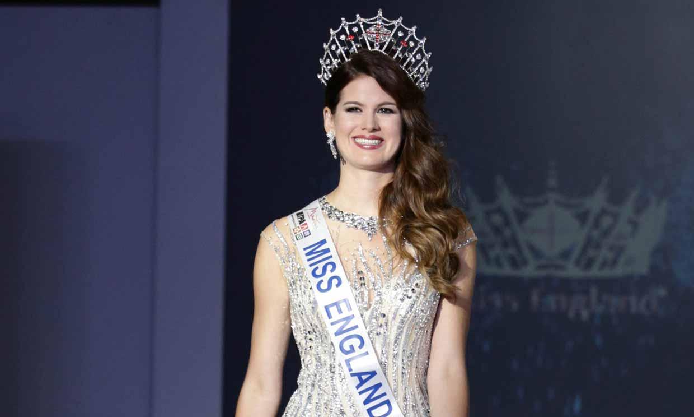 Carina Tyrrell, la Miss que ha cambiado la corona por luchar contra el coronavirus