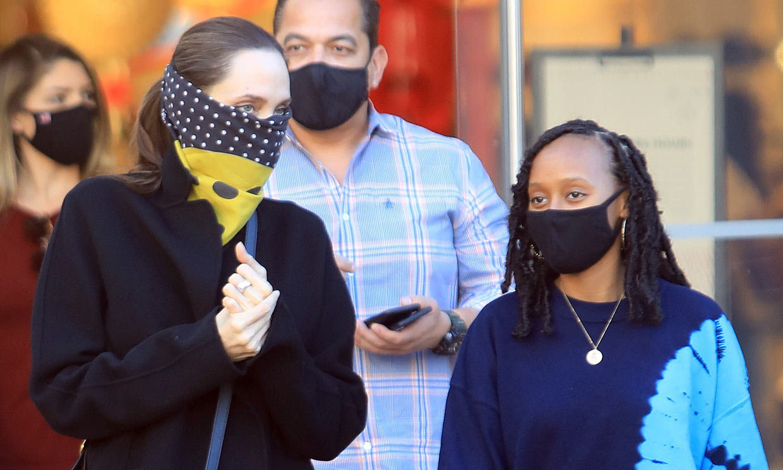 ¡Día de chicas! Angelina Jolie y su hija Zahara, juntas de compras