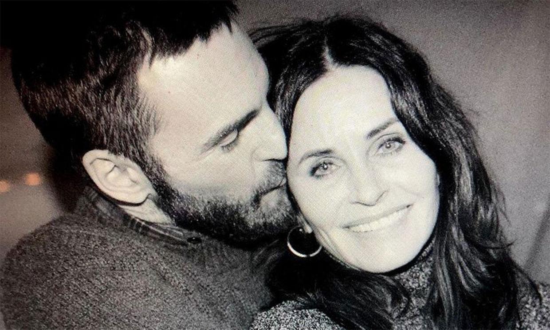 Courteney Cox se reúne por fin con su prometido después de nueve meses sin verse