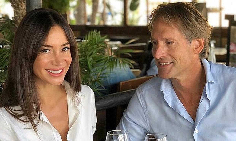 Exclusiva en ¡HOLA!, Cecilia Gómez y Marco Vricella, en su nuevo ático: 'Nos casamos el 26 de junio'