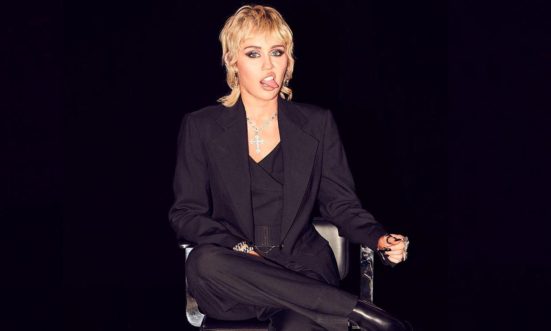 La genial imitación de Miley Cyrus a Justin Bieber con su famoso baile navideño, ¡no te pierdas el vídeo!