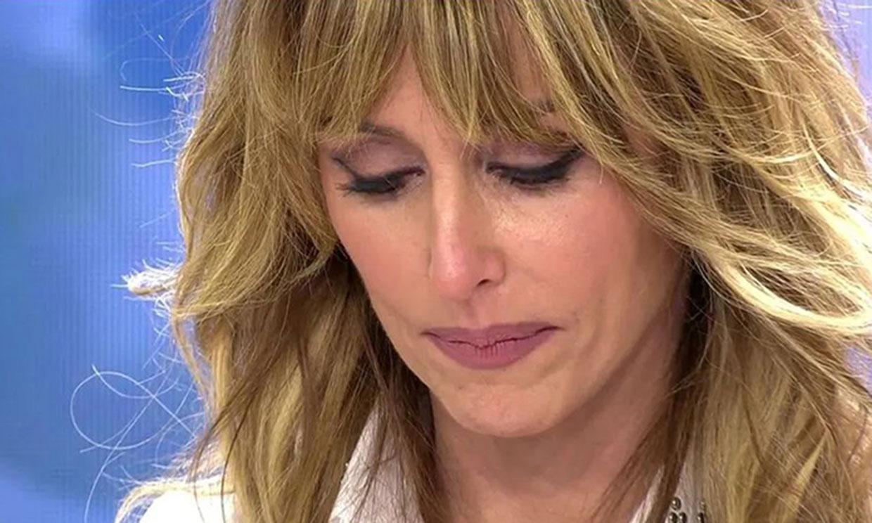 Emma García rompe a llorar en directo al recibir una carta de alguien 'muy especial' y la llamada de su madre