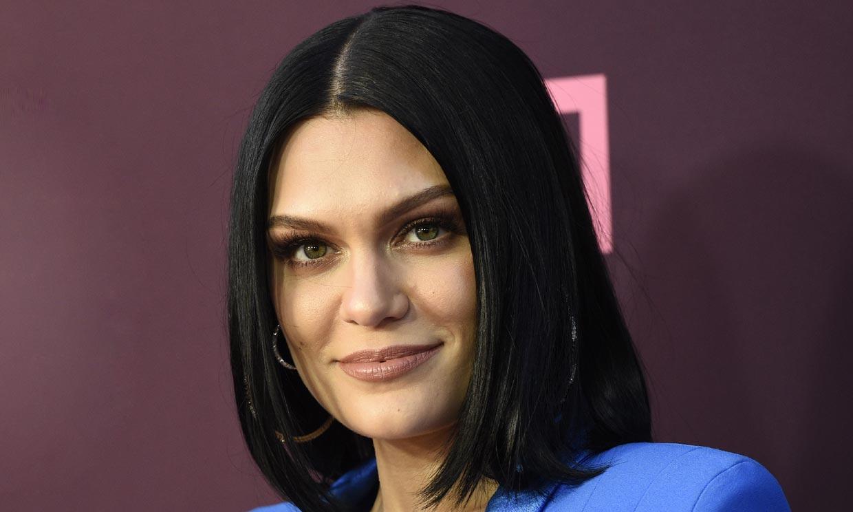 El susto de Jessie J. en Nochebuena: se despertó sin oír y no podía caminar en línea recta