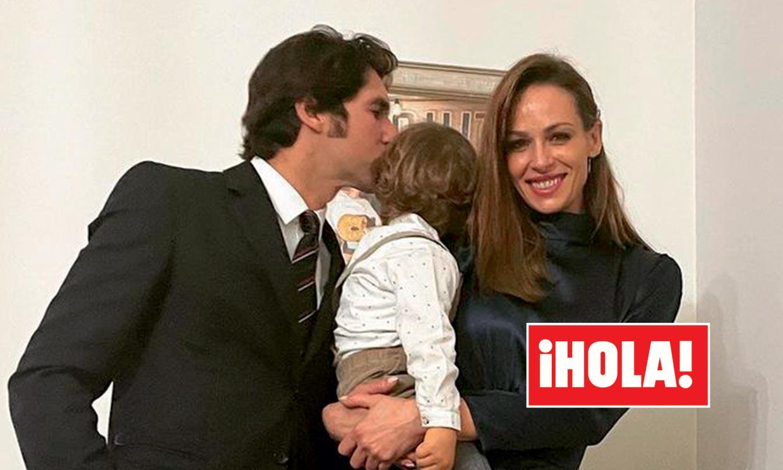 En ¡HOLA!: Cayetano y Eva, su imagen más esperada y feliz tras un año de polémicas