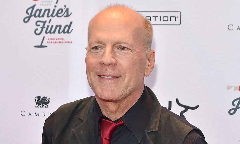 Bruce Willis pide perdón tras ser fotografiado sin mascarilla: 'Fue un error de juicio'