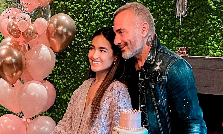 Gianluca Vacchi celebra por todo lo alto el cumpleaños de Sharon Fonseca junto a su 'mejor regalo'