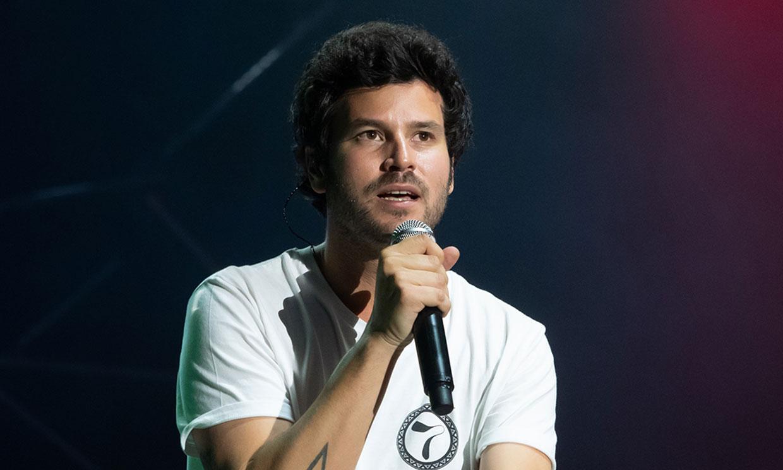 Guillermo Bárcenas le dedica una canción a su madre que cumple condena en prisión