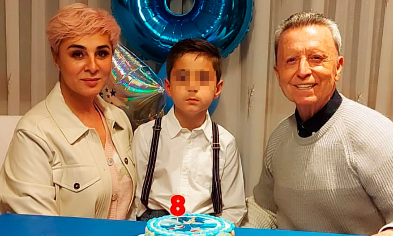 Con tarta de Sonic y 'poquitos regalos': el hijo de Ortega Cano cuenta cómo ha celebrado sus 8 años