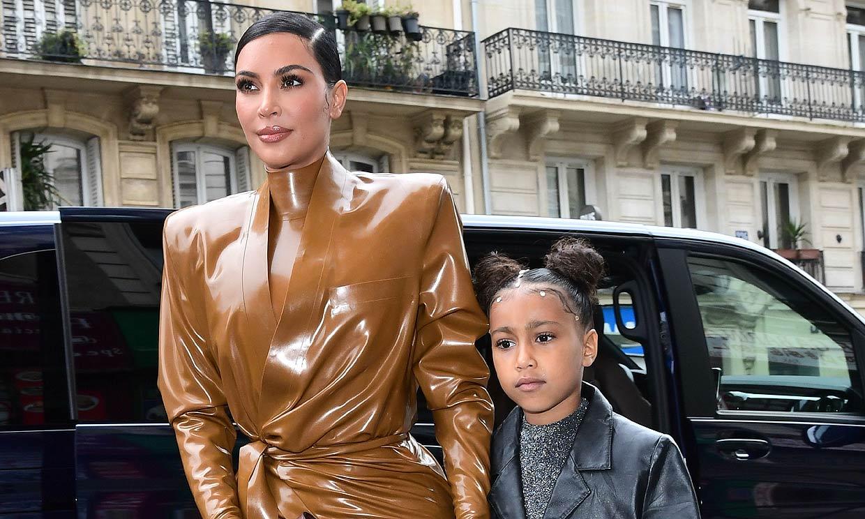 ¿Ha pintado North este cuadro? El enfado de Kim Kardashian por las dudas sobre su hija