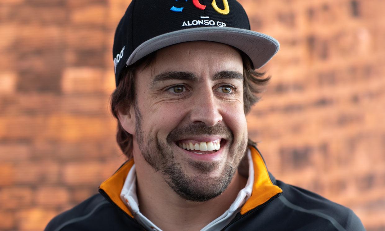 Fernando Alonso, operado 'con éxito' de la mandíbula tras ser atropellado mientras montaba en bici