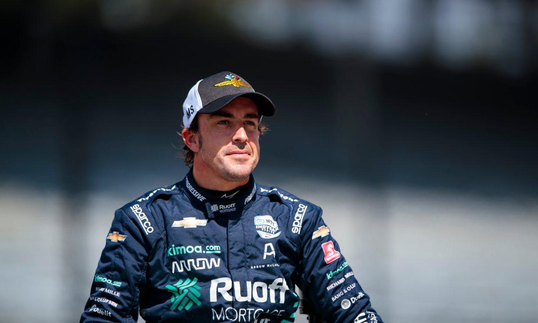 Fernando Alonso muestra cómo tiene el rostro una semana después del atropello que sufrió