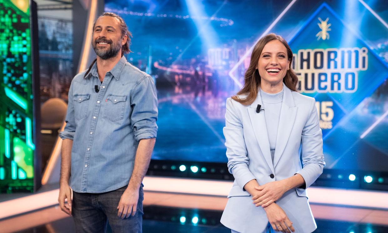 Michelle Jenner y Hugo Silva recuerdan las divertidas anécdotas del rodaje de 'Los hombres de Paco'