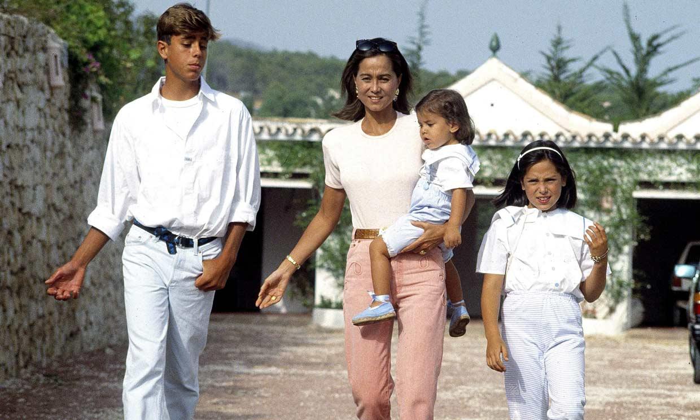 Enrique Iglesias felicita el cumpleaños a su madre con esta imagen inédita (y muy tierna)