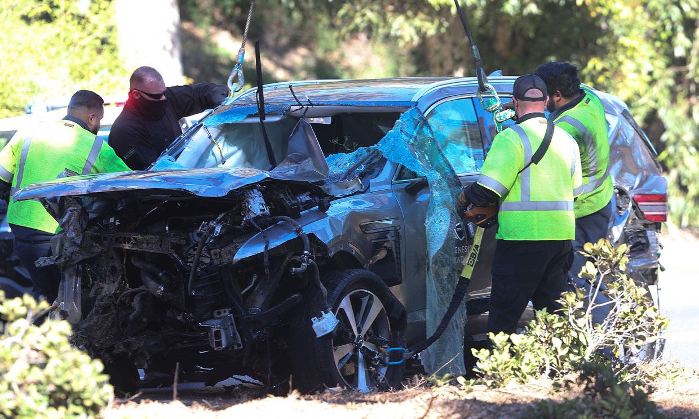 Las sobrecogedoras imágenes del coche de Tiger Woods tras su accidente