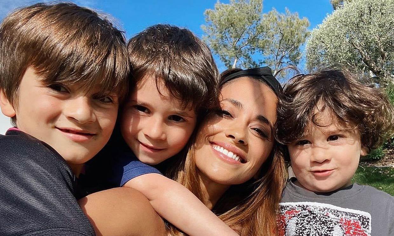 Las travesuras y muecas de sus hijos roban el protagonismo a Antonela Roccuzzo en su cumpleaños