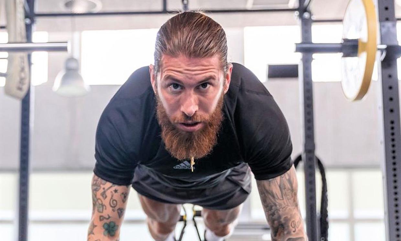 ¡No le queda ni un solo hueco! Sergio Ramos muestra su impresionante espalda tatuada