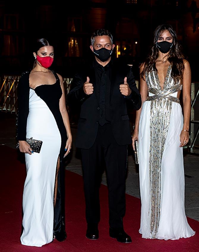 Alejandro Sanz con Rachel Valdés y su hija Manuela