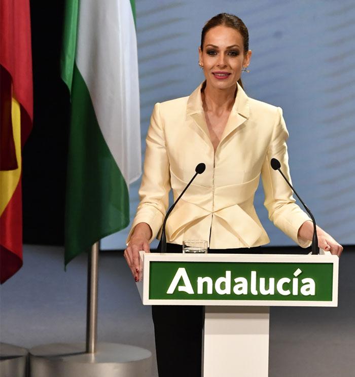 Eva González, en el acto institucional de las Medallas de Andalucía