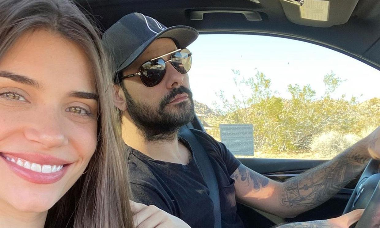 Eva de Dominici, la novia de Eduardo Cruz, le felicita con su álbum de fotos más personal