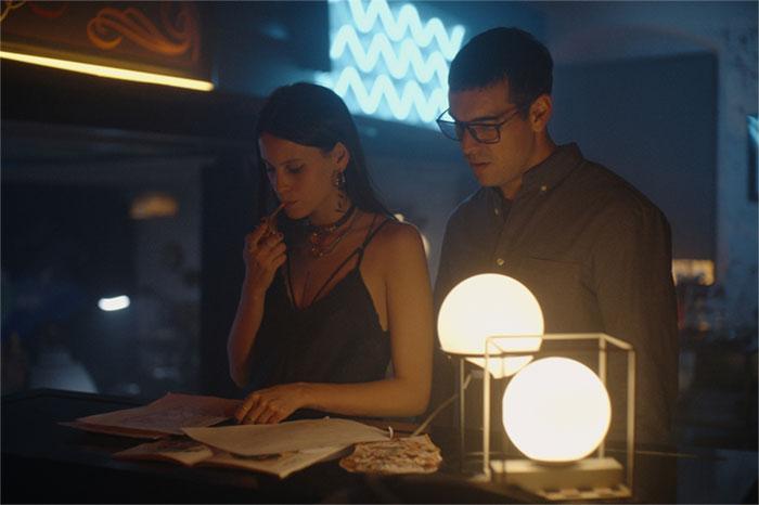 Milena Smit y Mario Casas en 'No Matarás'