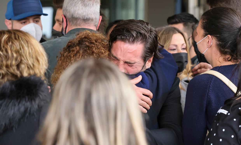 David Bustamante, devastado en el último adiós a Álex Casademunt