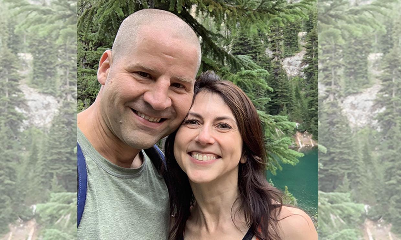 MacKenzie Scott, exmujer de Jeff Bezos, se casa con un profesor del instituto de sus hijos