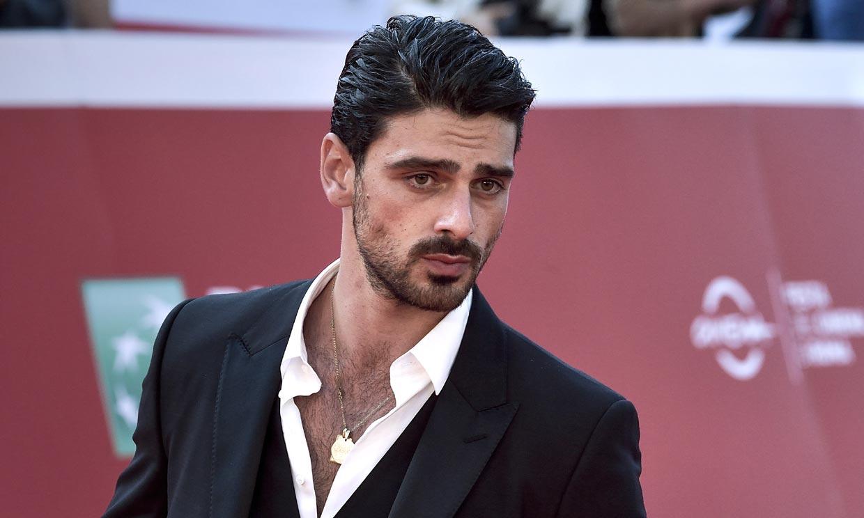 El actor Michele Morrone, con 12 millones de seguidores en redes, afronta así la fama
