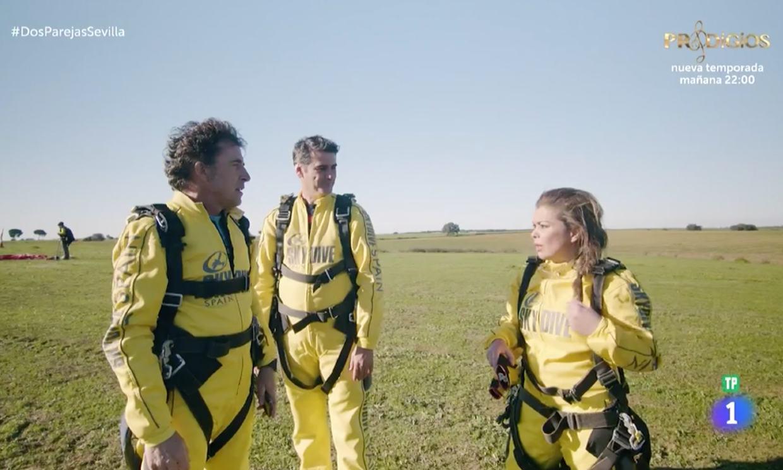 María José Campanario como nunca la habías visto... ¡saltando en paracaídas!