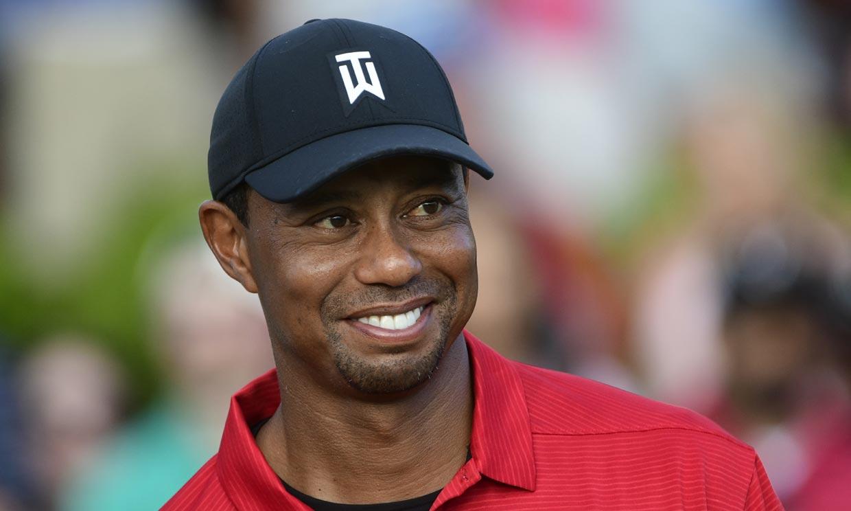 Tiger Woods regresa a casa un mes después del grave accidente de coche que sufrió