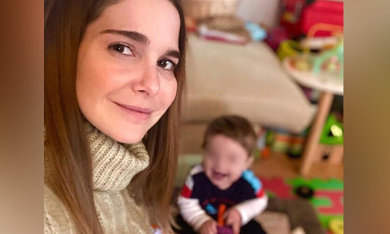 Las simpáticas imágenes de Neo, el hijo de 9 meses de Natalia Sánchez, 'tocando' el piano