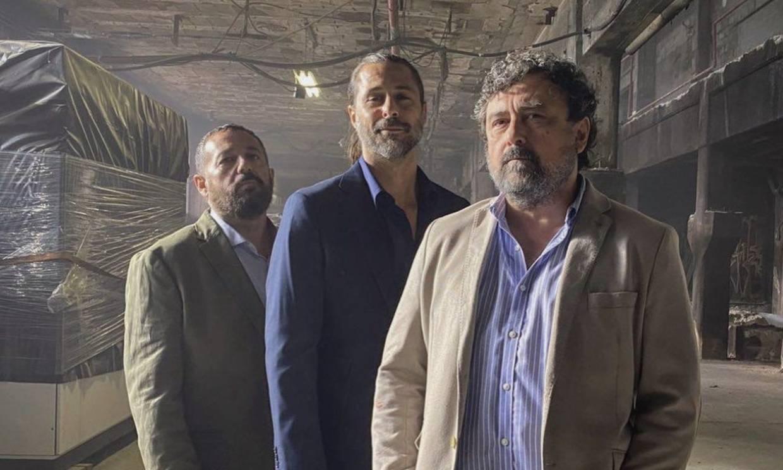 ¡Vuelve Aitor! Primera imagen de Mario Casas en el regreso de 'Los hombres de Paco'