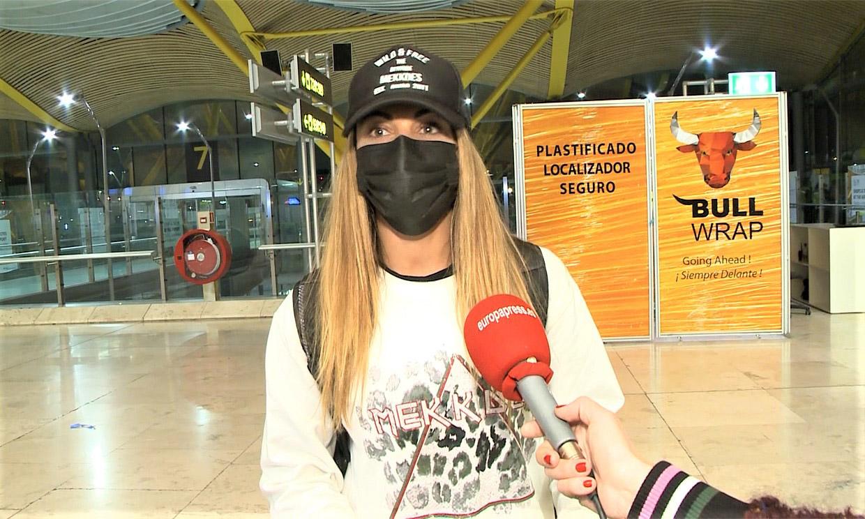 Lara Álvarez se emociona antes de partir a 'Supervivientes' y aclara si está enamorada