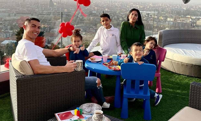 'Mamá, estamos preciosas', la última ocurrencia de las niñas de Georgina Rodríguez