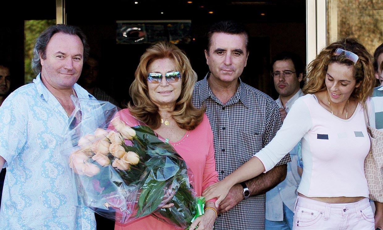 Amador Mohedano responde a los reproches de Rocío Carrasco: 'Lo único que he hecho es lo que mi hermana me ordenaba'