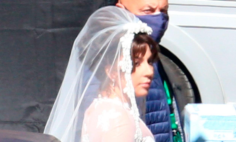 Lady Gaga se viste de novia (pero no como te imaginas)