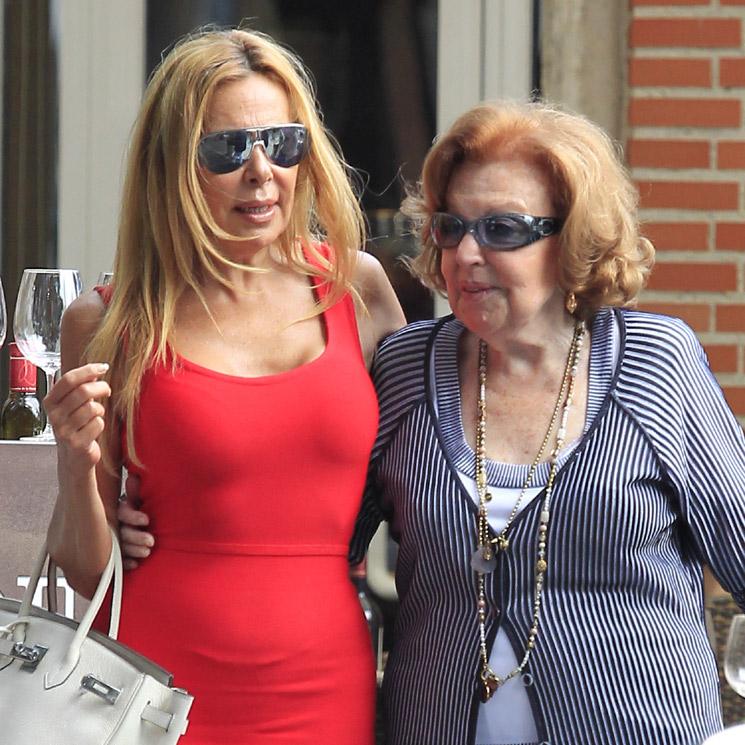 La madre de Ana Obregón, hospitalizada