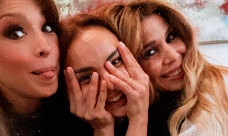 El divertido reencuentro de Chenoa, Natalia y Gisela con baile incluido