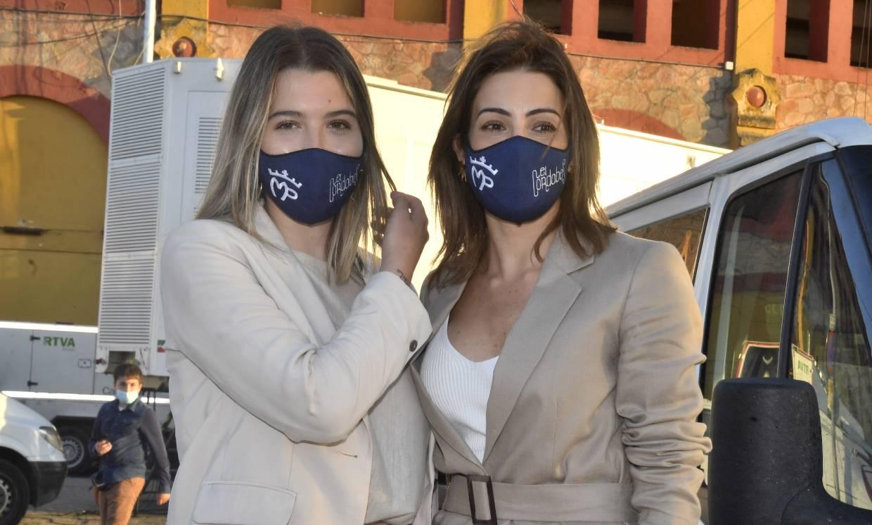 Alba Díaz y Virginia Troconis, los talismanes de Manuel Díaz 'El cordobés' en su vuelta a los ruedos