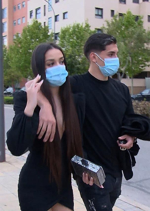 Julia Janeiro y su novio Brayan Mejía