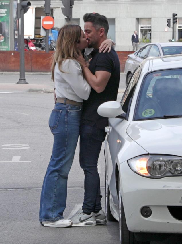 Leire Martínez con su novio