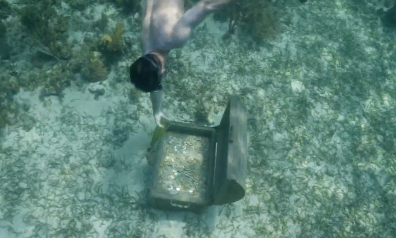 Los supervivientes encuentran el tesoro del Pirata Morgan, algo que les facilitará la vida una semana
