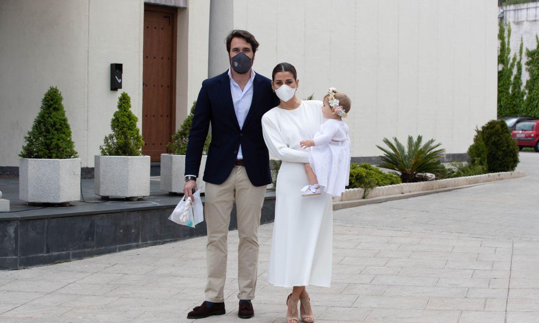 Los invitados, los padrinos, las anécdotas más divertidas... Así ha sido el bautizo de la hija de Elena Tablada y Javier Ungría