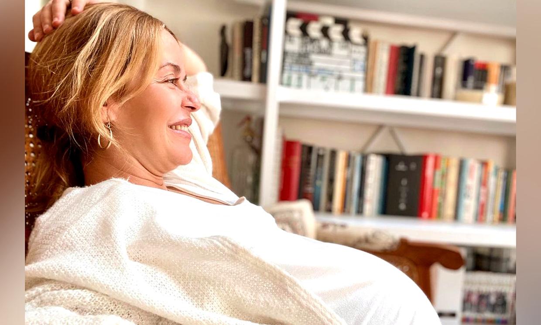 María Adánez pone a punto la habitación de su bebé, al que le escribe una emotiva carta