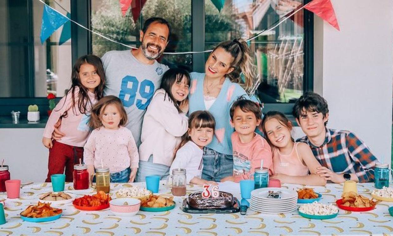 La divertida merienda de cumpleaños de Verdeliss con sus siete hijos