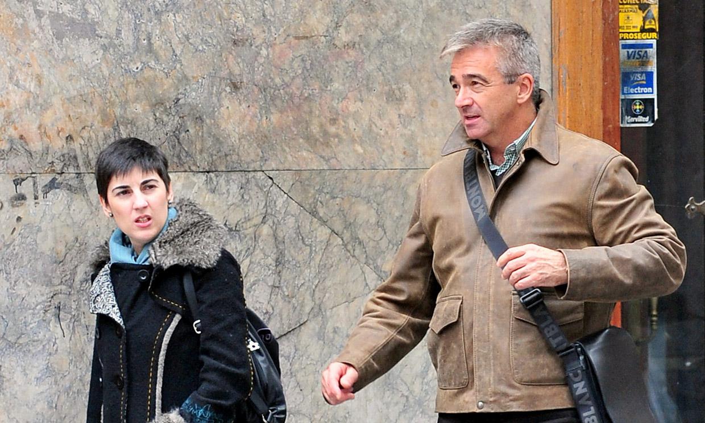 Tres hijos, uno de ellos actor, y una boda íntima con su compañera en la radio: la discreta vida de Carles Francino