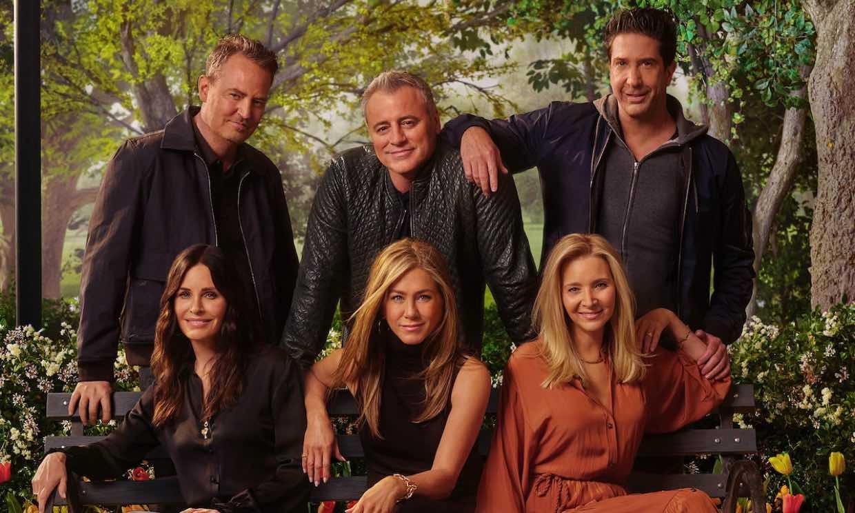 Las primeras imágenes del reencuentro de 'Friends' dan pistas sobre qué pasará en el episodio especial