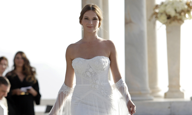 Yana Olina se viste de novia, ¿estará pensando en boda con David Bustamante?