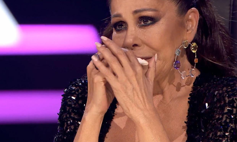 Isabel Pantoja rompe a llorar por su madre, doña Ana, y defiende a su hermano Agustín