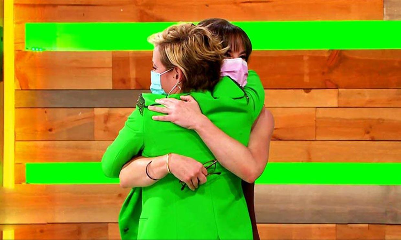 Cristina Pardo, muy emocionada, desea suerte a Mamen Mendizábal en su cambio de rumbo profesional