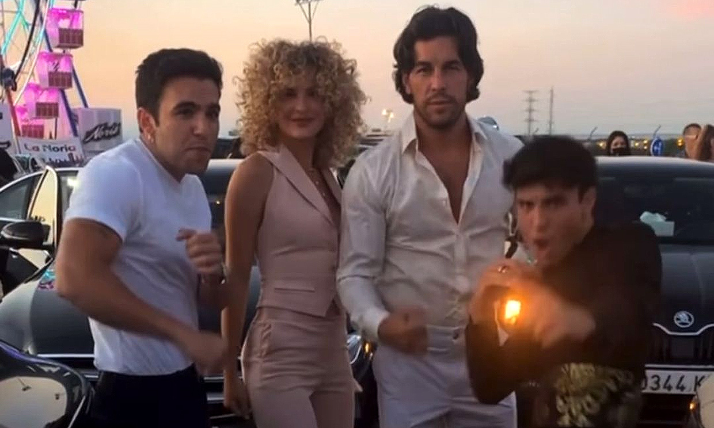 ¿Son Olivia Newton-John y John Travolta? No, son los hermanos Casas con sus looks de 'película'
